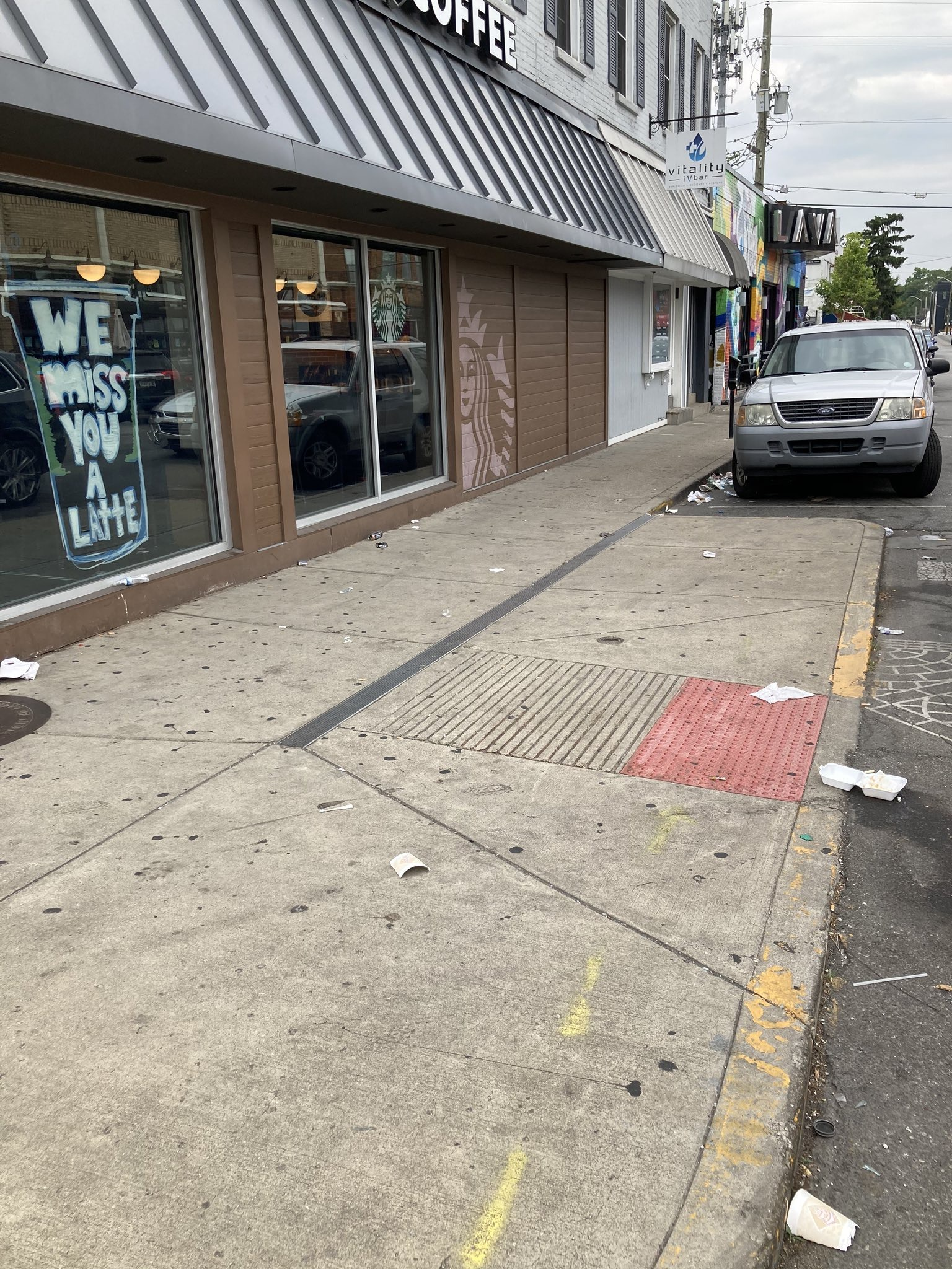 Trash on the Avenue